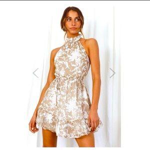 NWT Selfie Leslie Beige Floral Halter Open Back Mini Dress Large